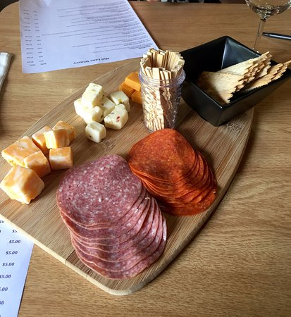 Tenino, WA: Meat & cheese tray