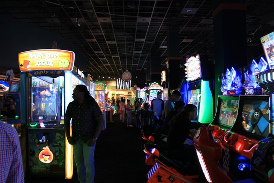 Dave & Buster's: Gaming zone