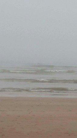 Essaouira Beach: received_10154410665006323_large.jpg