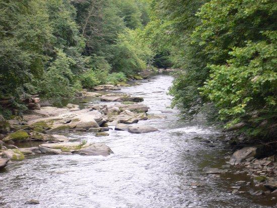 Portersville, Pennsylvanie : View of the Slippery Rock Creek from Eckert Bridge.