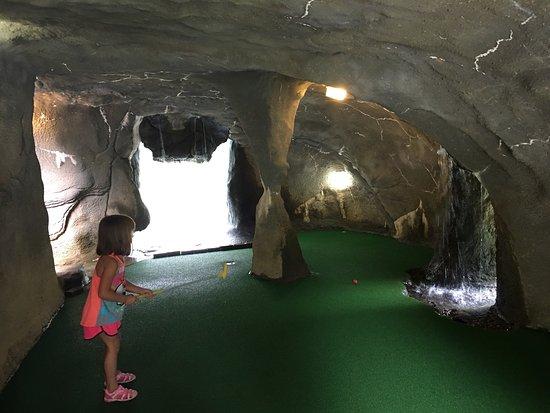 Mulligan MacDuffer Adventure Golf : photo0.jpg
