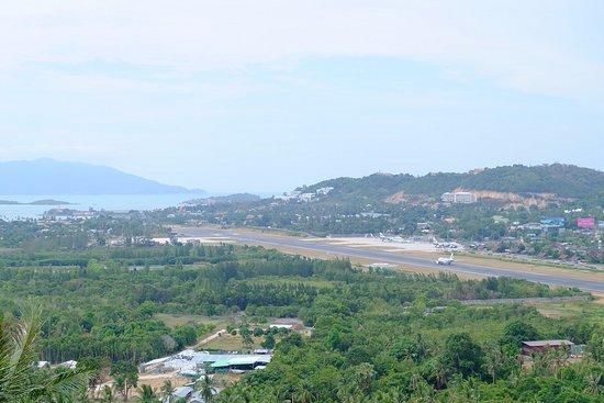 Phra Phutthabat Chamlong Khao Hua Chuk : สนามบินมุมสูง