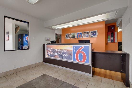 Motel 6 Muskogee : Lobby