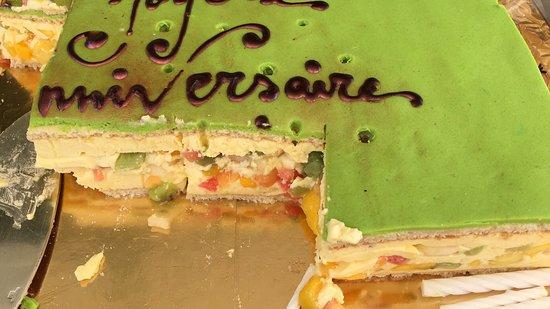Gateau D Anniversaire Qui Etait Sense Etre Un Cheese Cake Aux Fruits De Saison Photo De Chez Xavier Rabat Tripadvisor