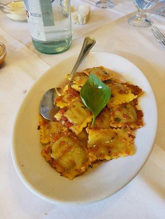 Piozzano, Włochy: ravioli con ripieno di melenzane