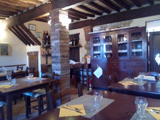 Pari, إيطاليا: Sala da pranzo interna