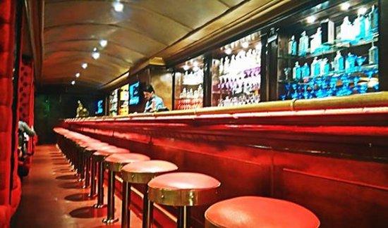 Cuban Jazz Cafe: Barra imponente