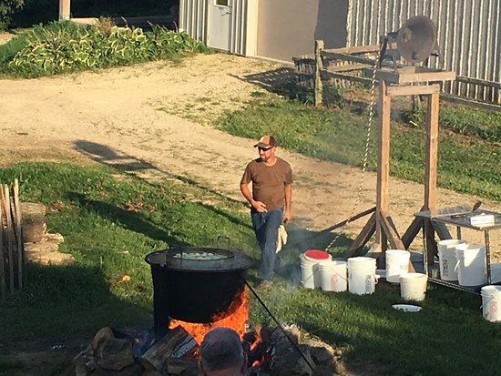Prescott, WI: Friday night outdoor fish boil