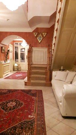 Fuchsia Guest House: IMG-1469052537923-V_large.jpg
