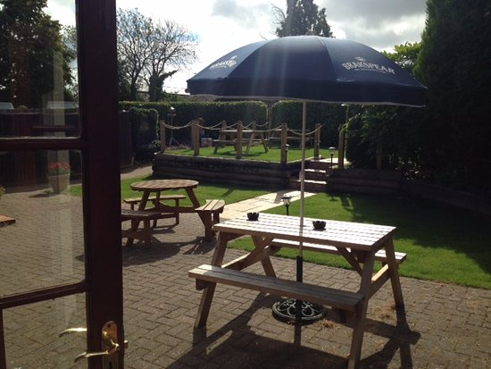 The Three Horseshoes: View out into garden