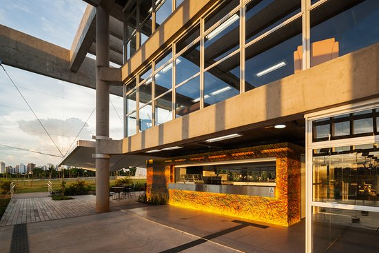Biblioteca Parque Villa-Lobos (BVL)
