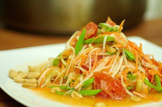 OnThai: Som Tum - green papaya salad