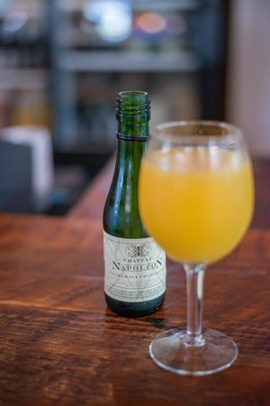 Big Wave Cafe: Mimosa.