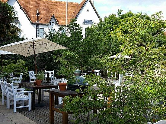Cookham, UK: IMG_20160808_222510_large.jpg