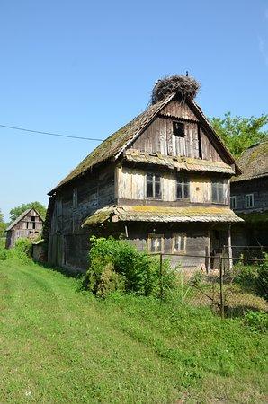 Sisak-Moslavina County, Chorwacja: Classica abitazione della zona