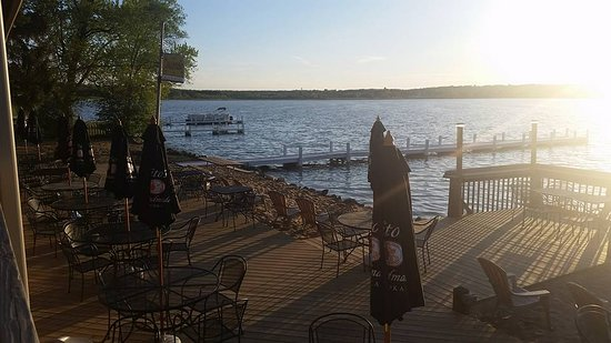 Mars Restaurant: A view from our dining deck