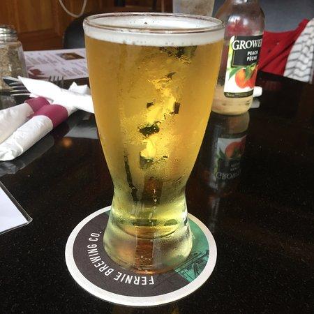 River City Pub & Patio: photo1.jpg