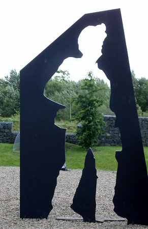Auchinleck, UK: Miner memorial