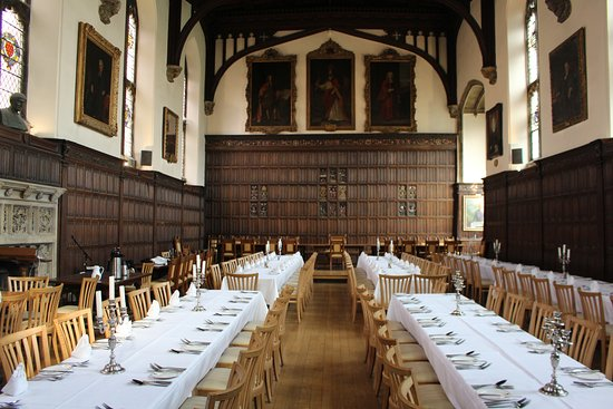 Magdalen College Accommodation : Magdalen Dining Hall