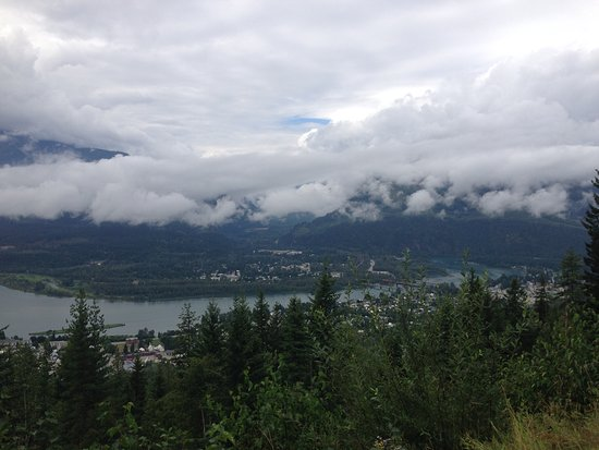 Mount Revelstoke National Park: View of Revelstoke