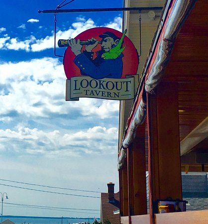 Lookout Tavern: Entrance