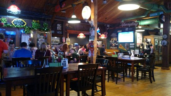 Mooney's Bar and Grill: Inside Mooney's