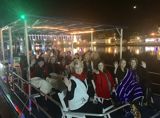 Natchitoches, LA: christmas night cruise of the xmas lights