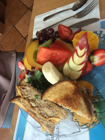 Cora's Breakfast & Lunch