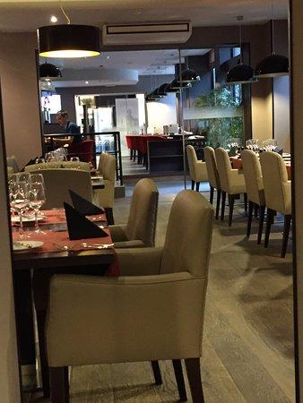 La Salle A Manger De La Brasserie Photo De Brasserie Meat Me