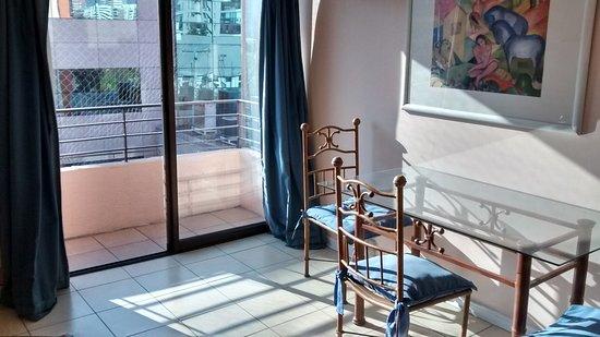 Dali Apart Hotel: Bien iluminado, vista norte
