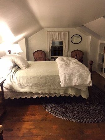 Blue Hill, ME: The bed that I never wanted to leave.