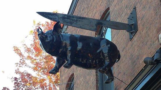Waterbury, VT: Enseigne du commerce... Très original :-)