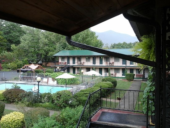Ridge Top Motel & Campground: view from our room