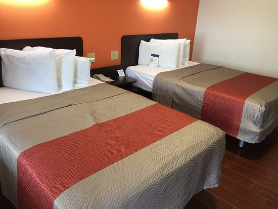 Motel 6 Harrisonburg - South Image