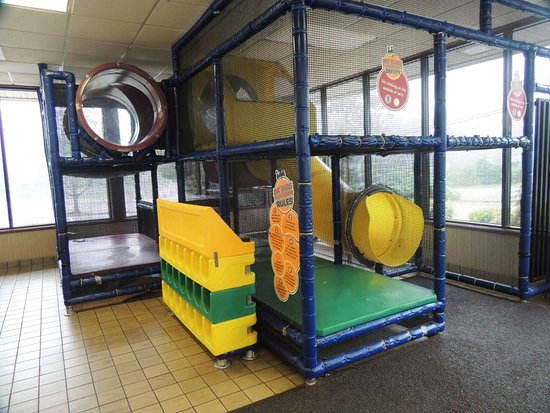Orange, Virginie : Childrens play area