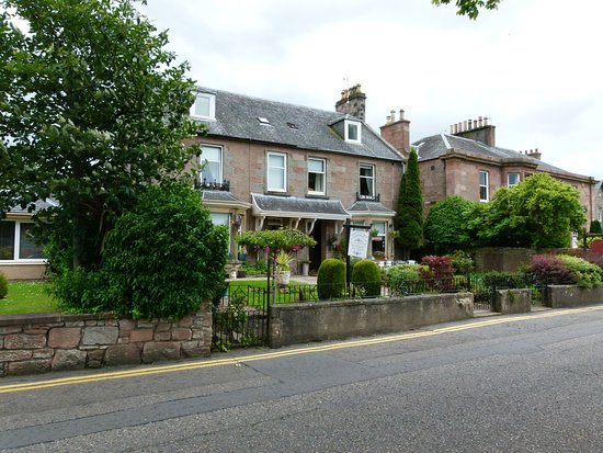 Talisker Guest House: Talisker House: Charming B&B facing the canal (Inverness, Scotland)