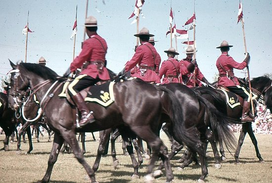 Lower Fort Garry National Historic Site : RCM Musical Ride