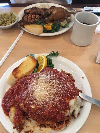 Callahan's Restaurant & Deli: photo0.jpg