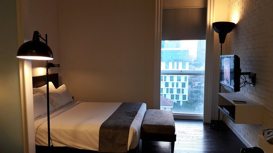 Morrissey Hotel Residences: nice and big room