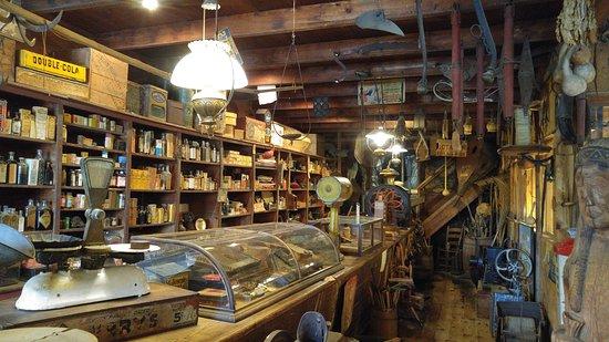 Sautee Nacoochee, GA: antique store