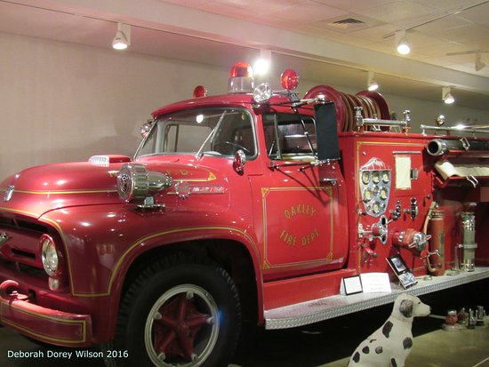 Fick Fossil & History Museum: YES!!! I am completely fire truck enthused!!!
