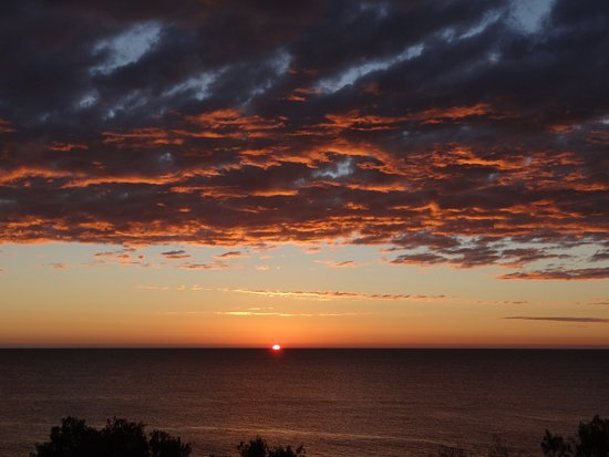 Bargara, Australia: Sunrise over the Pacific Ocean from 'the Point'