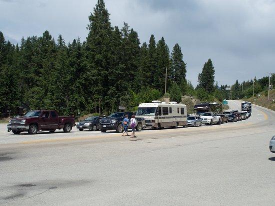 Kootenay Lake Ferry: Vehicle Queue