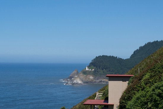 Florence, OR: view north toward heceta head lighthouse