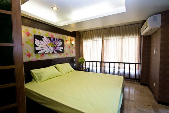 Sabai Sabai at Sukhumvit Hotel: CORNER SUITE 2 - EXECUTIVE ROOM (FAMILY ROOM