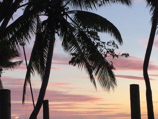 Sonaisali Island, فيجي: Sunset