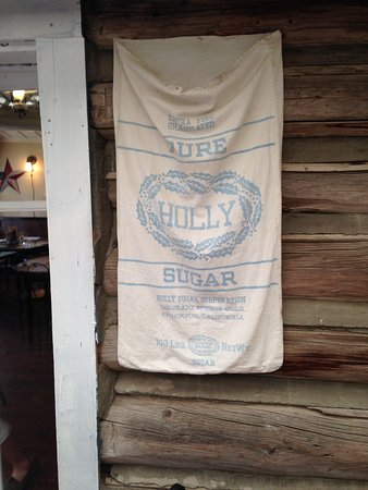 Virginia City, MT: The decor...