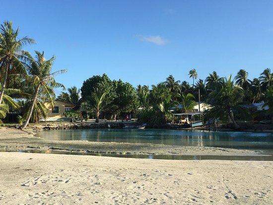 Tuamotu Archipelago, French Polynesia: Pension au petit matin