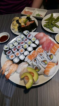 Assiette De Sushi Picture Of Buffet Sentier Paris Tripadvisor