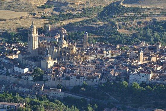Aerotours: Unas vistas inolvidables de la Catedral y la Plaza Mayor!